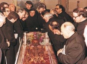 Exposição do corpo de Santo Antônio em 1981